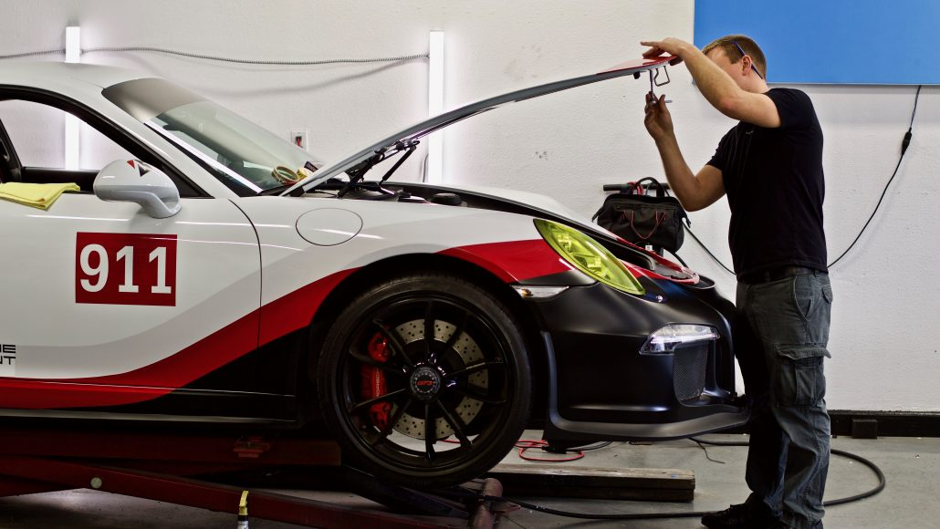 Porsche Gt3 Gets Rsr Look With Vinyl Graphics Concours
